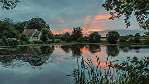 Фото Англия Озеро Рассветы и закаты Здания Hartley Mauditt Hampshire