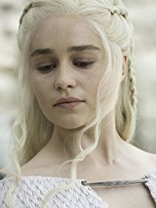Фото Игра престолов (телесериал) Дейенерис Таргариен Emilia Clarke Блондинка Лицо season 7 Кино Знаменитости Девушки