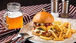 Фотографии Гамбургер Пиво Картофель фри Быстрое питание Пища