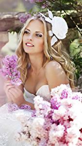 Фото Сирень Блондинка Улыбка Невеста Красивые Девушки