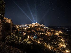 Обои Франция Дома Небо Звезды Ночь Лучи света Gordes Города