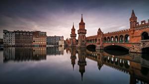 Картинки Германия Берлин Мосты Речка Oberbaumbrücke