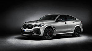 Обои для рабочего стола БМВ Серебряный X6 M Competition 'First Edition', (F96), 2020 авто