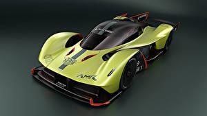 Фотография Формула 1 Aston Martin Цветной фон 2018 Valkyrie AMR Pro Автомобили