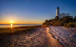 Обои Штаты Рассвет и закат Берег Маяки Флорида Кустов Солнца
