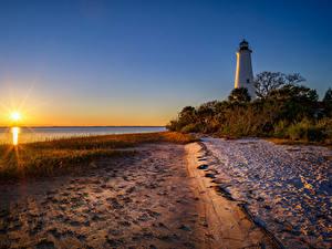 Обои Штаты Рассветы и закаты Берег Маяк Флорида Кусты Солнца