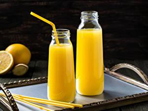 Обои Напитки Сок Апельсин Доски Бутылки Двое Пища