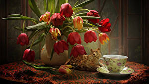 Картинка Натюрморт Тюльпаны Тигры Стол Ваза Чашка Капли Цветы
