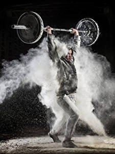 Фото Мужчины Черный фон Штанга Спорт