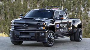 Фото Chevrolet Черные Пикап кузов Металлик 2018 Silverado 3500HD Safety Safari Concept Автомобили