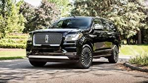 Фотографии Lincoln Люксовые Черные Металлик 2018 Navigator L Black Label авто
