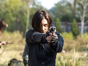 Фотография Ходячие мертвецы Пистолеты Лорен Коэн Шатенка 7 Знаменитости Девушки