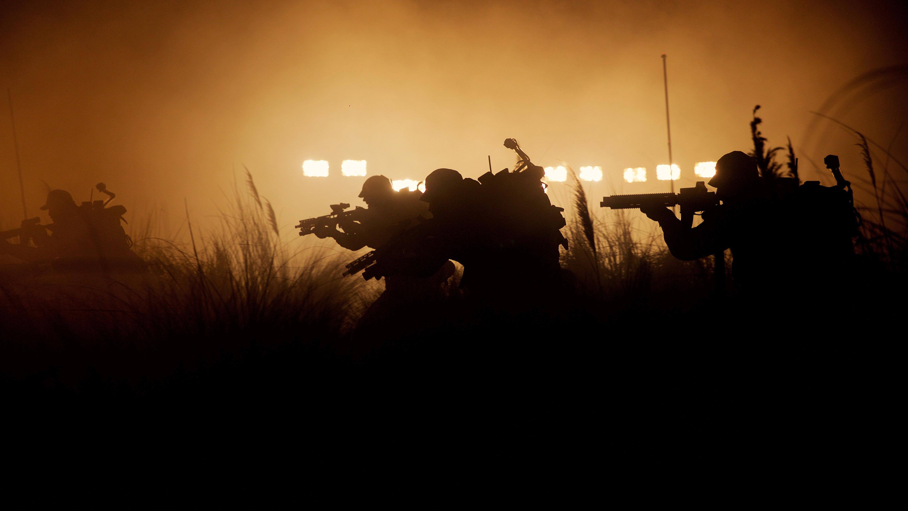 Фотография Чужой: Завет Воители Автоматы силуэты Фильмы 3840x2160 воин воины автомат автоматом Силуэт силуэта кино