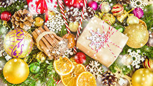 Картинка Рождество Корица Подарки Шар Шишки
