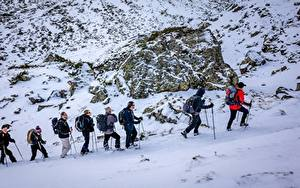 Фото Горы Зима Мужчины Камень Альпенизм Снег Очки Прогулка