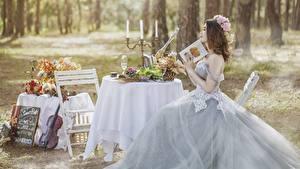 Фотографии Свечи Стола Невеста Свадьба Шатенки Платье Сидит Девушки