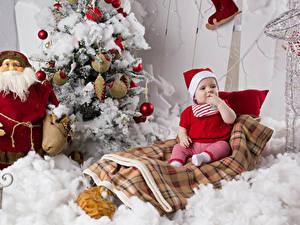 Фотография Рождество Елка Санта-Клаус Грудной ребёнок Шапка Сидит