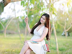 Фотография Азиатка Качели Платья Красивый Девушки