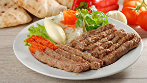 Фото Мясные продукты Овощи Тарелка Еда