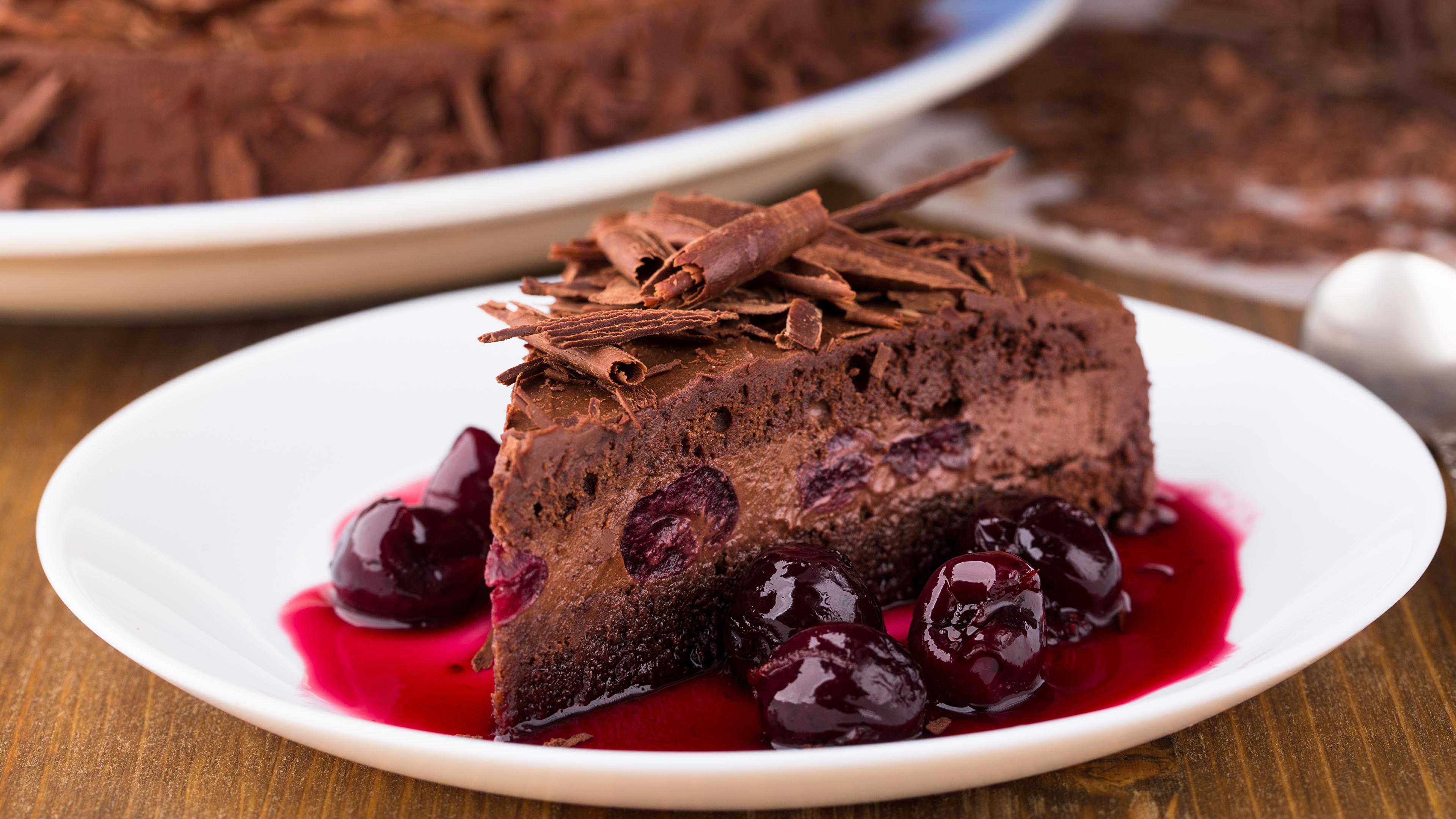 Картинки Шоколад Торты Кусок Вишня Пища 3840x2160 часть кусочки кусочек Черешня Еда Продукты питания