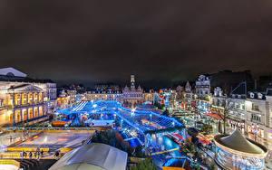 Картинки Франция Рождество Дома Городская площадь Ночные Saint Quentin Города