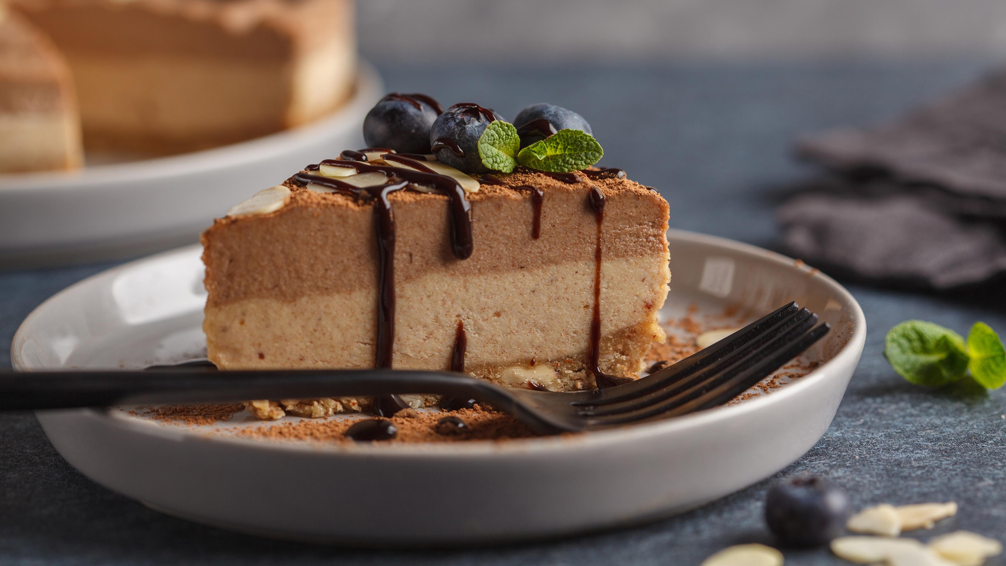 Картинки Шоколад Торты часть Еда Вилка столовая 3840x2160 Кусок Пища Продукты питания