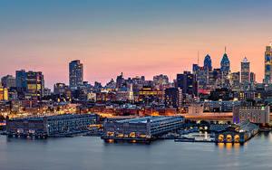 Фотография США Здания Речка Причалы Вечер Philadelphia Города