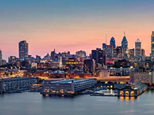 Фотография США Здания Речка Причалы Вечер Philadelphia