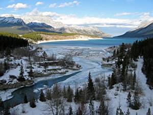 Фото Канада Зимние Горы Речка Озеро Пейзаж Снег Деревья River Klein, Lake Abraham, Western Alberta