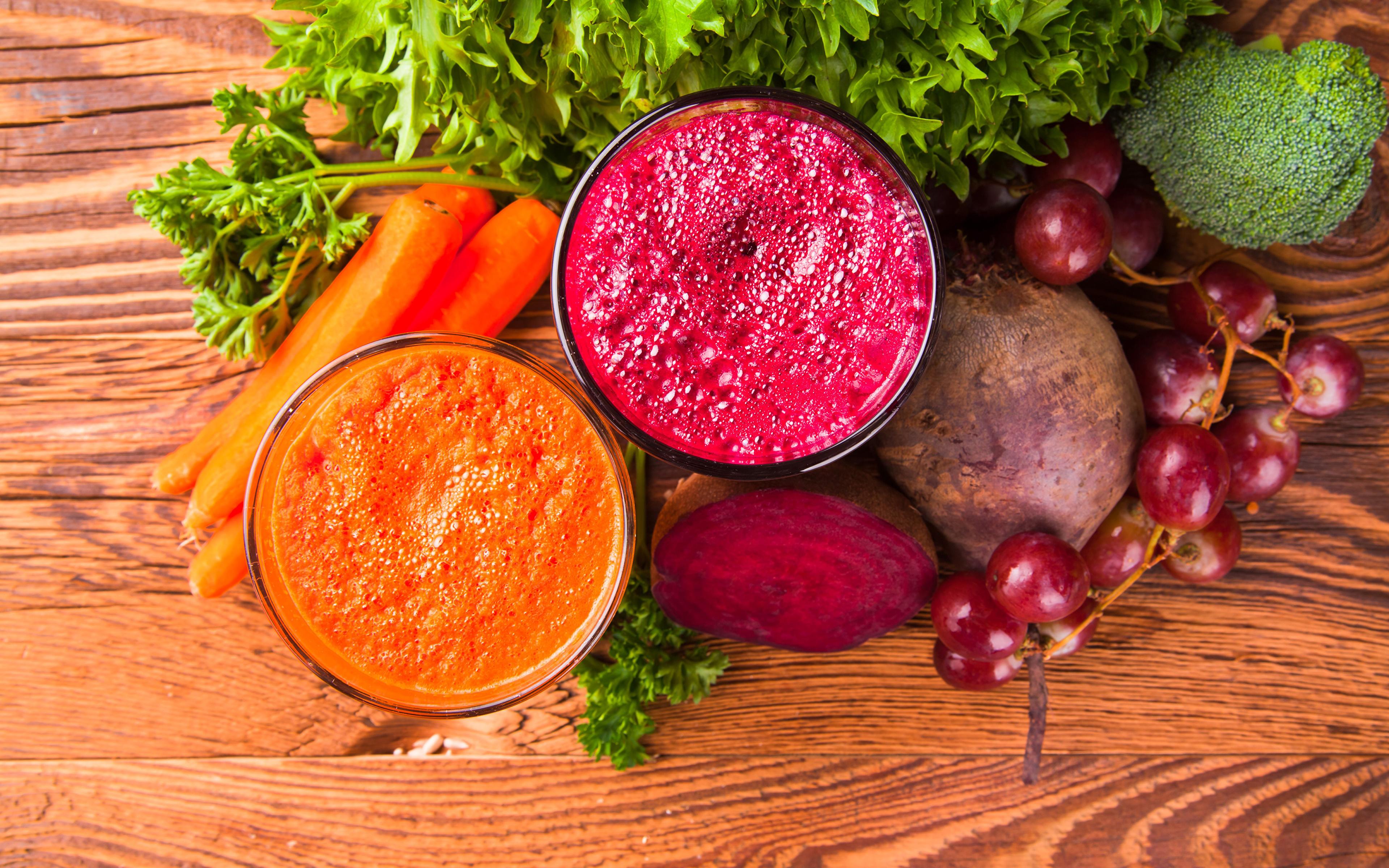 Обои Еда Смузи Доски Морковь вдвоем Виноград Овощи стакане Свекла 3840x2400 Пища Продукты питания 2 Двое Стакан стакана свёкла