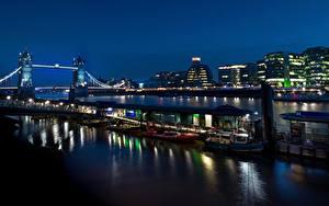 Фото Англия Здания Речка Мосты Пирсы Вечер Лондоне
