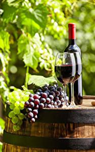 Картинки Вино Виноград Бочка Бокалы Бутылка Еда