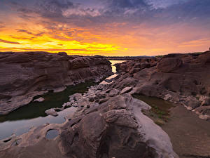 Картинки Таиланд Парки Реки Рассветы и закаты Скала Sampanbok natural stone park Природа