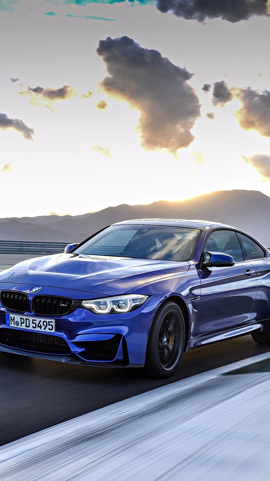 Картинки БМВ 2017 M4 CS Worldwide синие едущий Металлик Автомобили 1080x1920 для мобильного телефона BMW синих Синий синяя едет едущая скорость Движение авто машина машины автомобиль