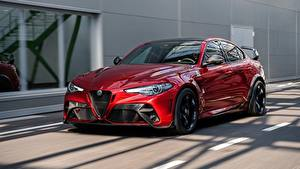 Картинка Alfa Romeo Красных Металлик Седан Giulia GTAm 2020 автомобиль