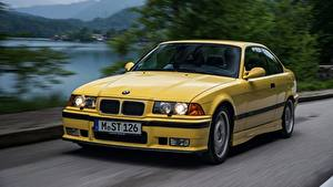 Картинка БМВ Едущий Желтая Металлик Купе E36 M3 1992–1999