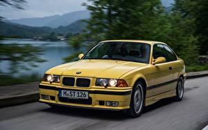 Картинка БМВ Едущий Желтая Металлик Купе E36 M3 1992–1999 авто