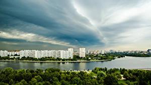 Картинки Россия Москва Здания Реки Небо Города