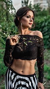 Картинка Georgiy Dyakov Модель Позирует Живот Блузка молодая женщина