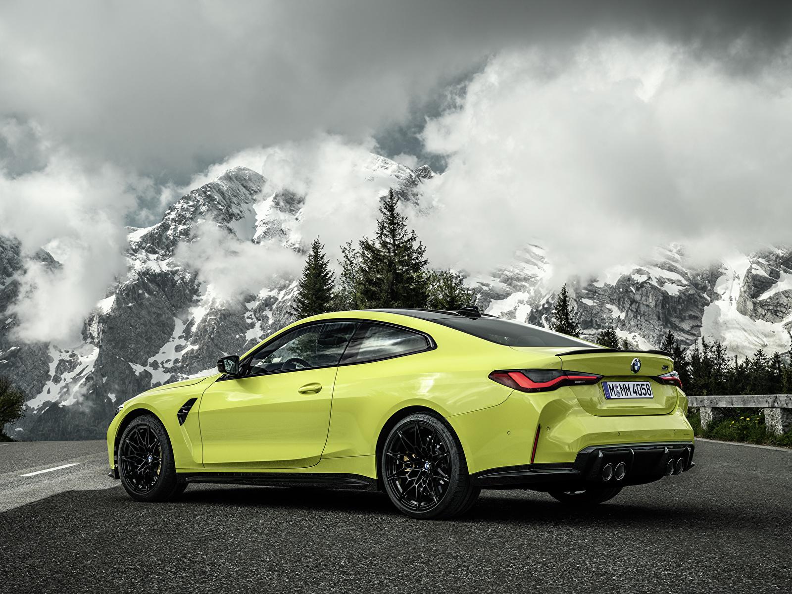 Картинки БМВ M4 Competition, (G82), 2020 Купе гора Природа Металлик автомобиль облачно 1600x1200 BMW Горы авто машины машина Автомобили Облака облако