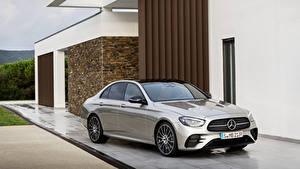 Обои Мерседес бенц Серые Металлик 2020 E-Klasse AMG Line Worldwide автомобиль
