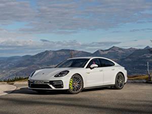 Фото Porsche Белая Металлик Panamera Turbo S E-Hybrid Worldwide, (971), 2020 машины