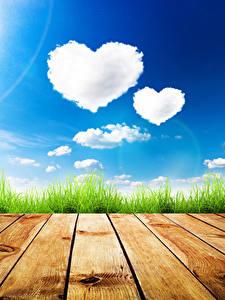 Фото Небо День всех влюблённых Доски Трава Облака Сердце Природа