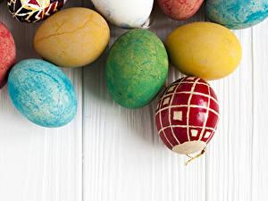 Фотографии Пасха Доски Яйца Разноцветные