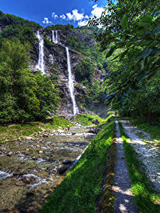 Фотография Италия Водопады Камни Ручей Скала Тропа Acquafraggia Sondrio Lombardy Природа