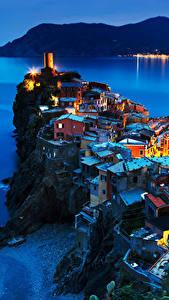 Фотография Вернацца Чинкве-Терре парк Италия Побережье Дома Скалы Ночь город