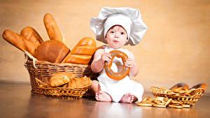 Фотография Выпечка Хлеб Грудной ребёнок Мальчики Повар Корзина Дети