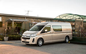 Фотография Toyota Минивэн Металлик 2019 Hiace SLWB Van with Option Pack авто
