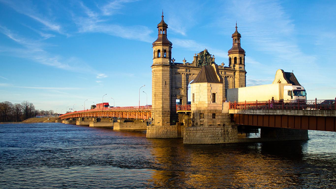 Картинки Калининград Россия Sovetsk Queen Louise bridge Мосты речка Города 1366x768 Реки