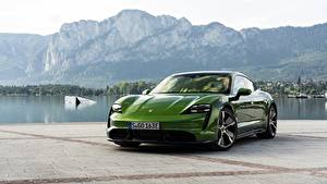 Картинки Порше Зеленых Металлик Turbo S 2020 Taycan Автомобили